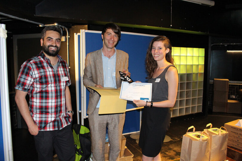 Congratuations to Michele Lynch on receiving the Best Poster Prize in the 1st Meeting of the UCL Cross-Disciplinary Network on Soft Materials